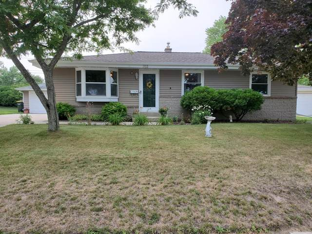 743 Wheelock Ave, Hartford, WI 53027 (#1754059) :: EXIT Realty XL