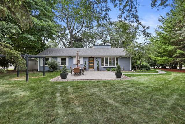 2343 N Met To Wee Ln, Wauwatosa, WI 53226 (#1754093) :: RE/MAX Service First