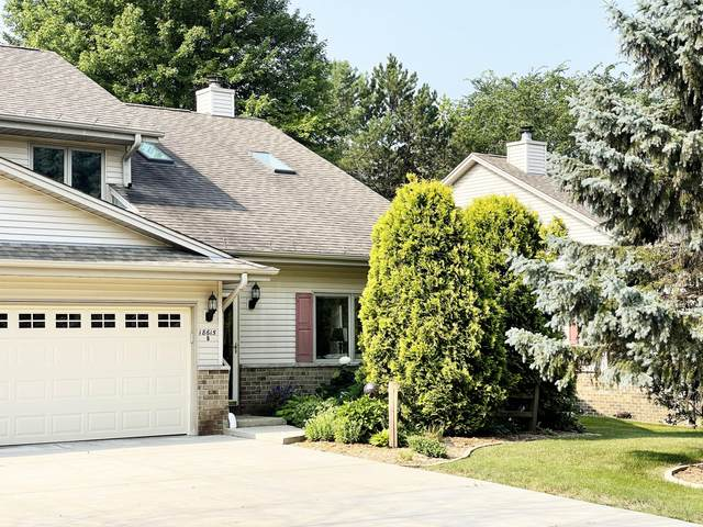 18615 Hoffman Ave B, Brookfield, WI 53045 (#1754098) :: EXIT Realty XL