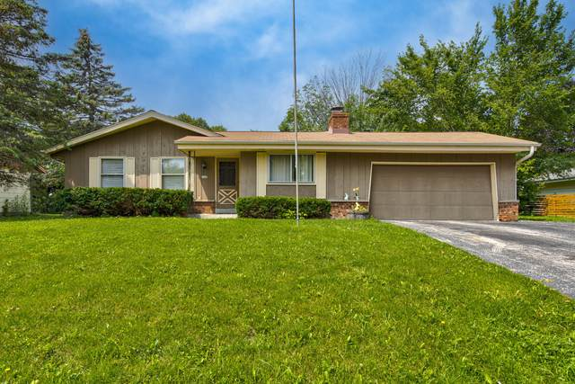 6441 N Pine Shore Dr, Glendale, WI 53209 (#1754136) :: RE/MAX Service First