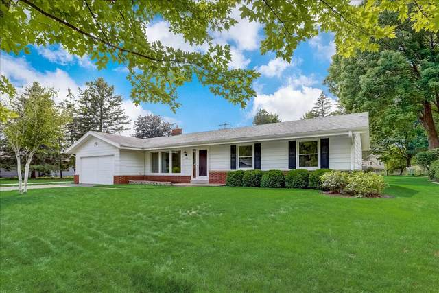 2315 Guinevere Dr, Brookfield, WI 53045 (#1754139) :: OneTrust Real Estate