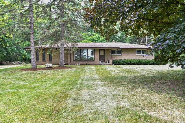 9675 S 76th St, Franklin, WI 53132 (#1754165) :: EXIT Realty XL