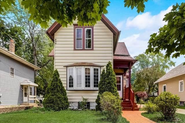 415 N Greenfield Ave, Waukesha, WI 53186 (#1754232) :: Tom Didier Real Estate Team