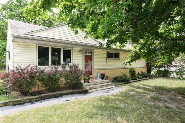 7043 W Squire Ave, Greenfield, WI 53220 (#1754259) :: EXIT Realty XL