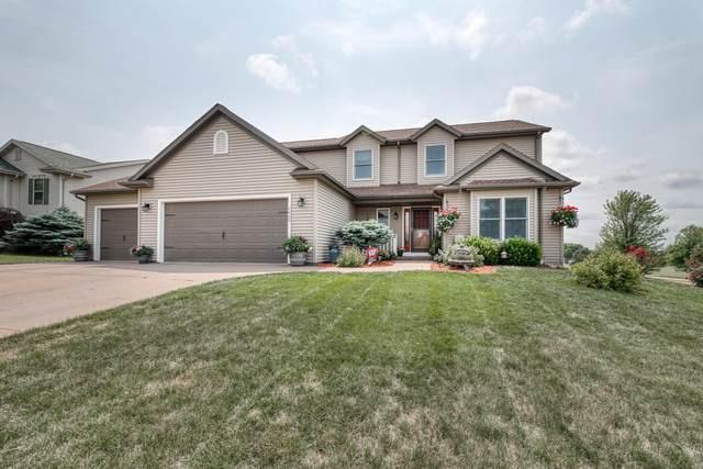 1403 Fairfield Ct, Watertown, WI 53098 (#1754283) :: EXIT Realty XL