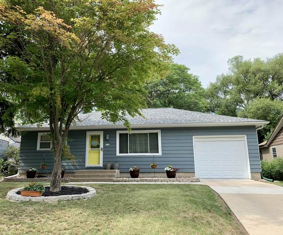 3316 W Bottsford Ave, Greenfield, WI 53221 (#1754293) :: RE/MAX Service First