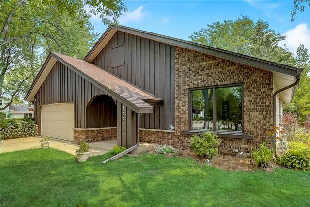 7890 S Chapel Hill Dr, Franklin, WI 53132 (#1754314) :: EXIT Realty XL
