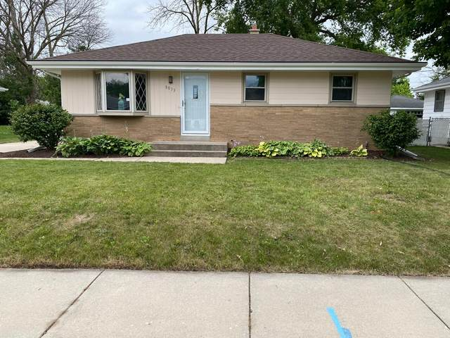 8833 W Douglas Ave, Milwaukee, WI 53225 (#1754322) :: RE/MAX Service First