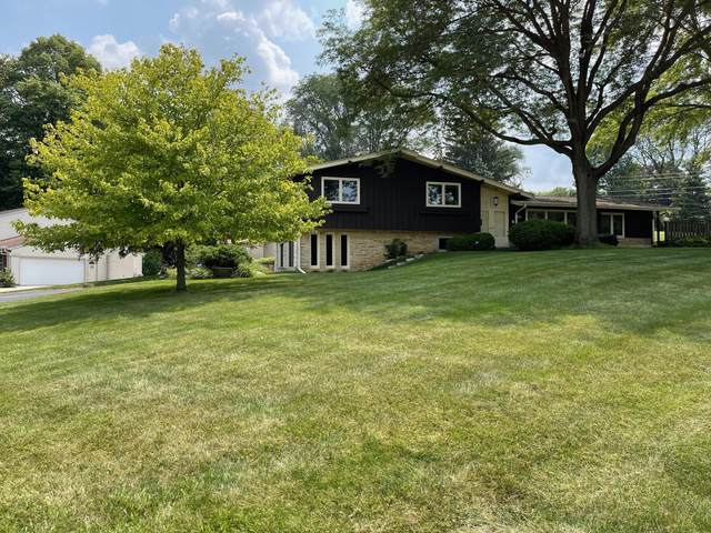 15445 St Therese Blvd, Brookfield, WI 53005 (#1754328) :: EXIT Realty XL