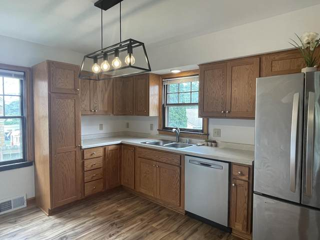 3733 S 13th St, Milwaukee, WI 53221 (#1754330) :: RE/MAX Service First