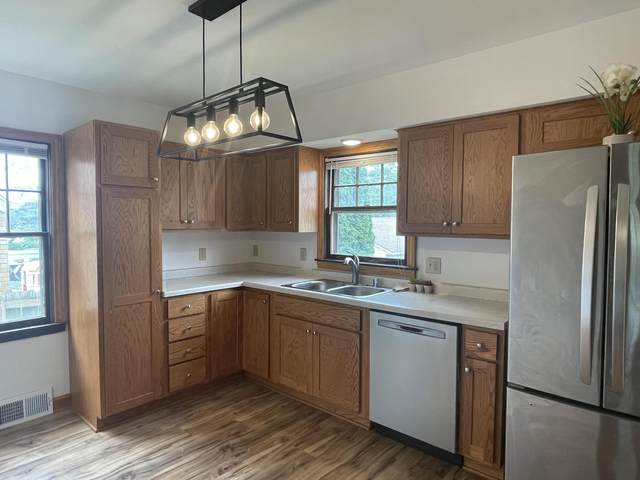 3733 S 13th, Milwaukee, WI 53221 (#1754338) :: RE/MAX Service First