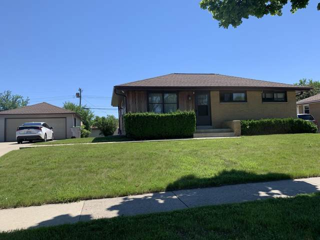 7901 W Mill Rd, Milwaukee, WI 53218 (#1754353) :: RE/MAX Service First