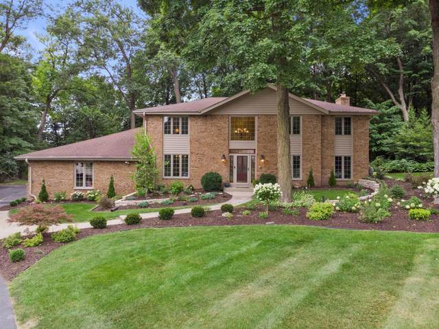 18285 Le Chateau Dr, Brookfield, WI 53045 (#1754372) :: EXIT Realty XL