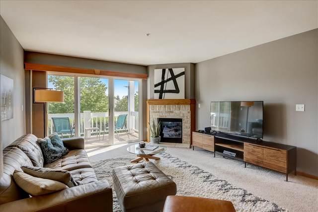 7007 W Rawson Ave, Franklin, WI 53132 (#1754374) :: Tom Didier Real Estate Team