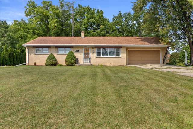 4765 N 135th St, Brookfield, WI 53005 (#1754436) :: EXIT Realty XL