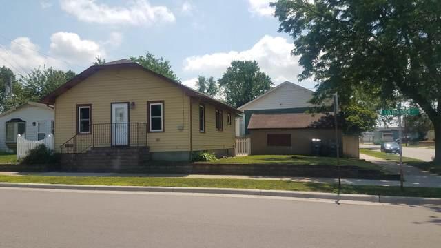 702 Livingston St, La Crosse, WI 54603 (#1754446) :: Tom Didier Real Estate Team