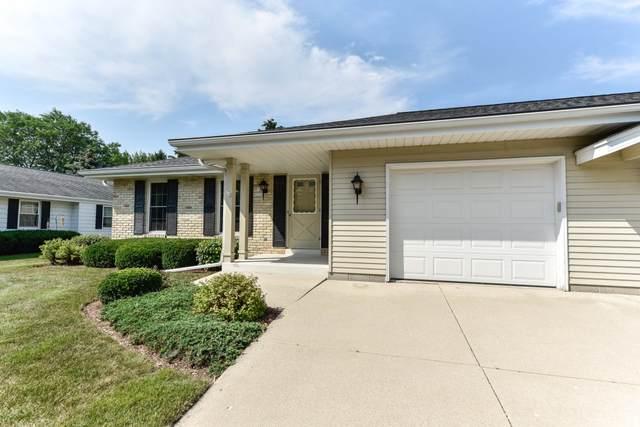 W72N1063 Hampton Ave, Cedarburg, WI 53012 (#1754479) :: EXIT Realty XL