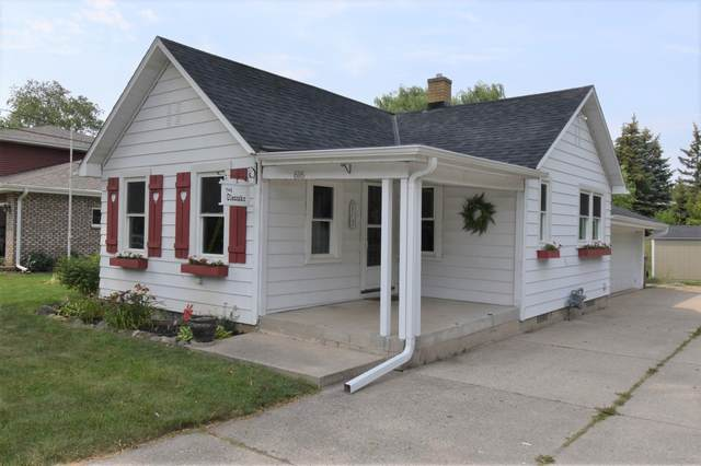 616 W Bender Rd, Glendale, WI 53217 (#1754482) :: RE/MAX Service First