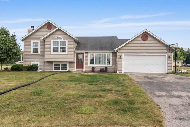 236 N Middle Rd, Belgium, WI 53004 (#1754590) :: EXIT Realty XL