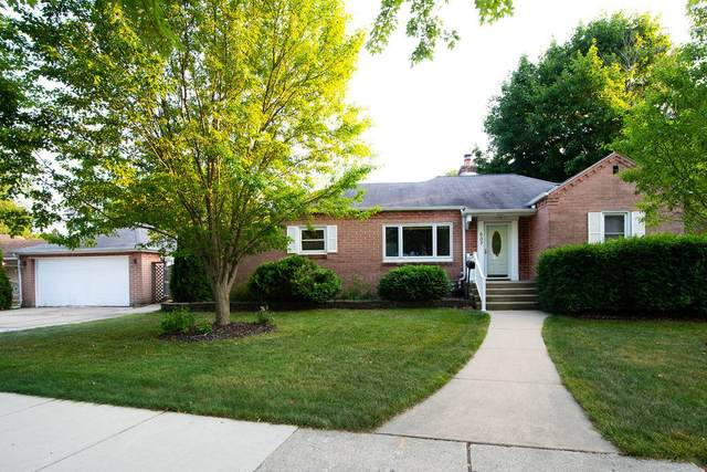 637 Hawthorne Ave, South Milwaukee, WI 53172 (#1754592) :: RE/MAX Service First