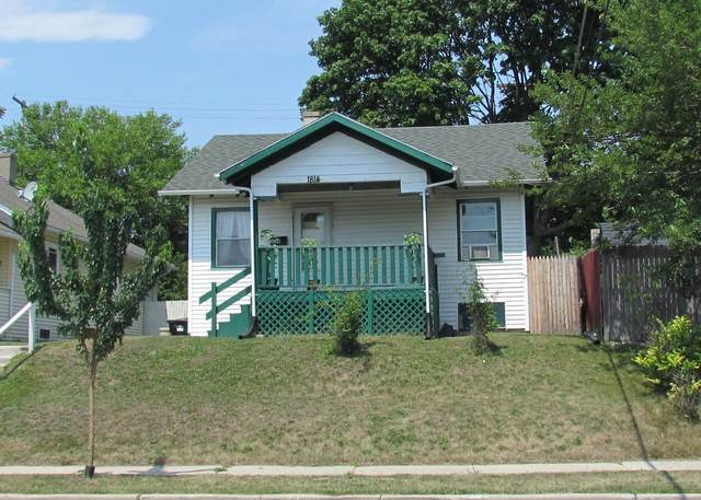 1814 13th St, Racine, WI 53403 (#1754611) :: RE/MAX Service First