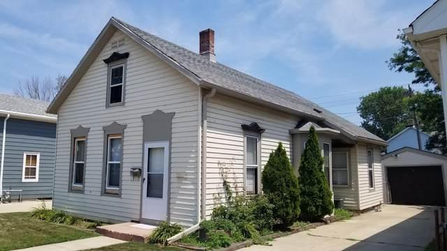 1319 N Main St, Racine, WI 53402 (#1754636) :: Keller Williams Realty - Milwaukee Southwest