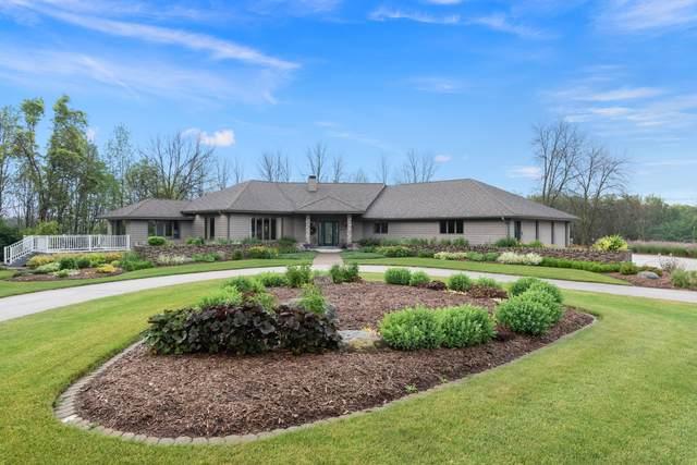 752 Dartmouth Dr, Sheboygan Falls, WI 53085 (#1754646) :: Tom Didier Real Estate Team