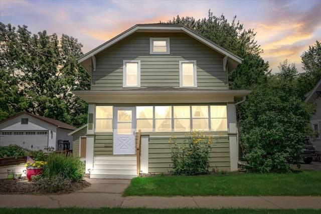 1102 Linden St, Waukesha, WI 53186 (#1754667) :: Keller Williams Realty - Milwaukee Southwest