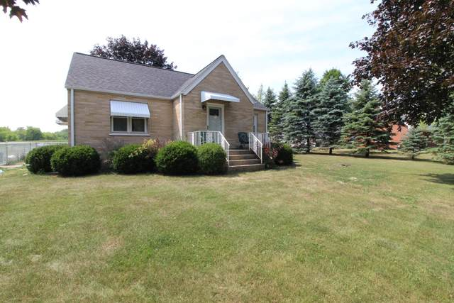 1034 88th Ave, Somers, WI 53144 (#1754738) :: RE/MAX Service First