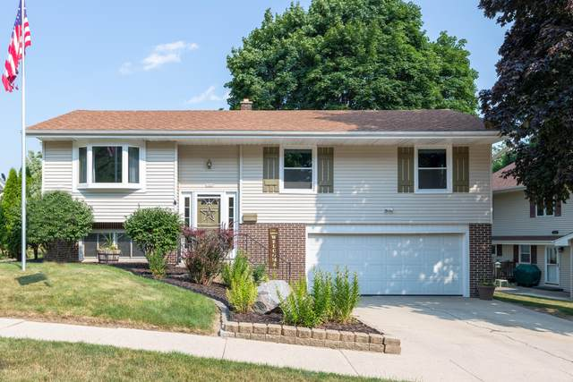 1327 N 14th Ave, West Bend, WI 53090 (#1754809) :: EXIT Realty XL