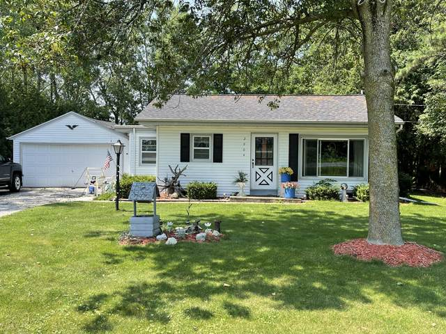 2904 Herman Rd, Manitowoc Rapids, WI 54220 (#1754848) :: RE/MAX Service First