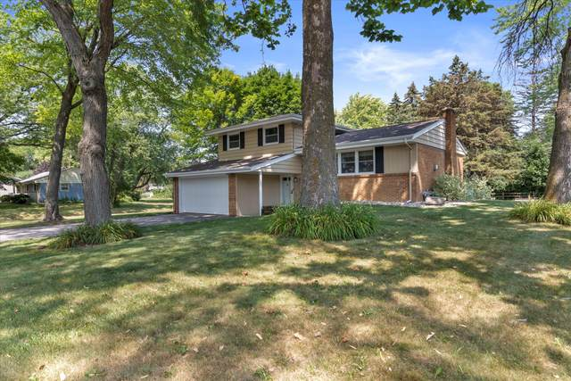 450 Rip Van Winkle Dr, Brookfield, WI 53186 (#1754858) :: Re/Max Leading Edge, The Fabiano Group