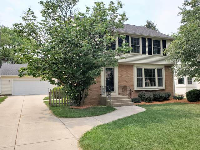 2537 N 94th St, Wauwatosa, WI 53226 (#1754957) :: RE/MAX Service First