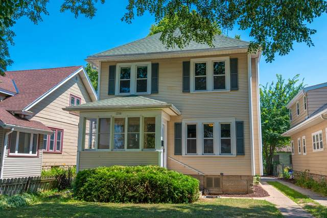 2258 N 66th St 2258A, Wauwatosa, WI 53213 (#1754971) :: RE/MAX Service First