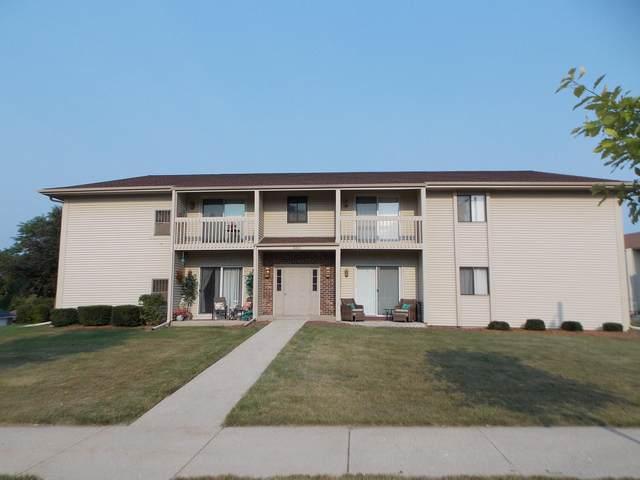 660 E Tamarack Dr #7, West Bend, WI 53095 (#1754995) :: Tom Didier Real Estate Team