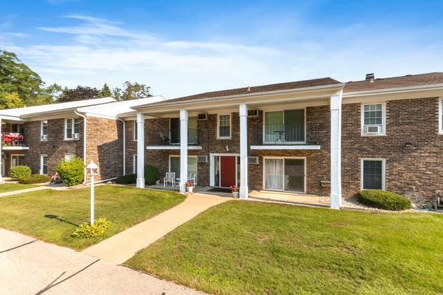 112 Hank Jay C, Lake Geneva, WI 53147 (#1755000) :: Tom Didier Real Estate Team
