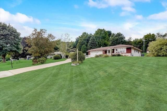 22194 Valley Rd, Brookfield, WI 53186 (#1755014) :: Tom Didier Real Estate Team