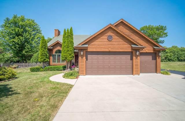 2811 Northwoods Dr, Port Washington, WI 53074 (#1755024) :: OneTrust Real Estate