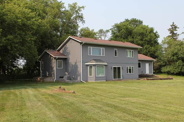 N46W23423 Lindsay Rd, Pewaukee, WI 53072 (#1755025) :: RE/MAX Service First