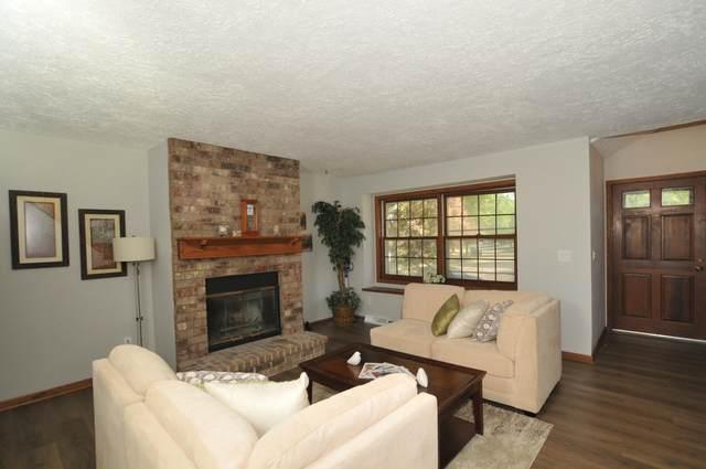 1911 Woodburn Rd B, Waukesha, WI 53188 (#1755027) :: Tom Didier Real Estate Team
