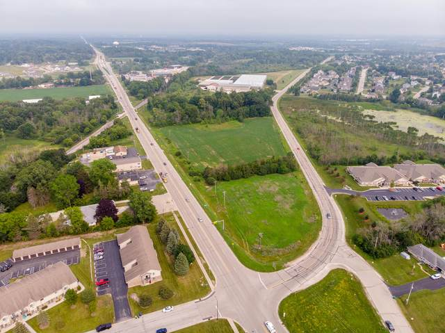 W151N11112 Mequon Rd, Germantown, WI 53022 (#1755031) :: EXIT Realty XL