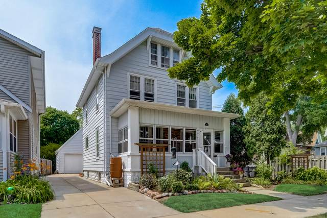 838 Oakland Ave, Waukesha, WI 53186 (#1755083) :: Tom Didier Real Estate Team