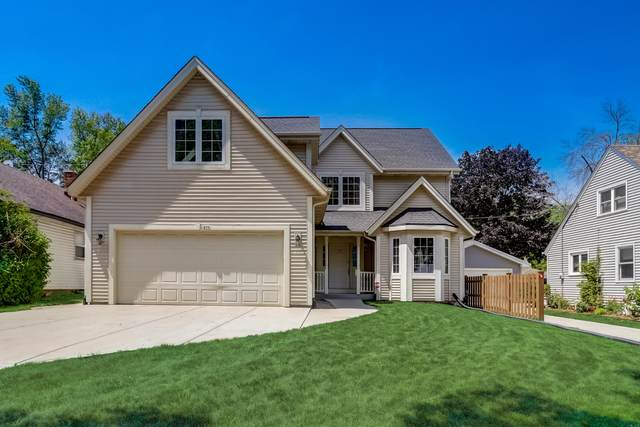 435 N 103rd St, Wauwatosa, WI 53226 (#1755086) :: RE/MAX Service First