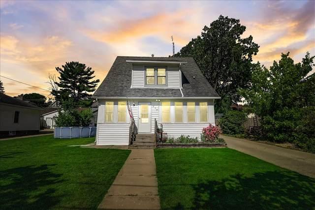 619 Oak St, Fort Atkinson, WI 53538 (#1755143) :: Tom Didier Real Estate Team