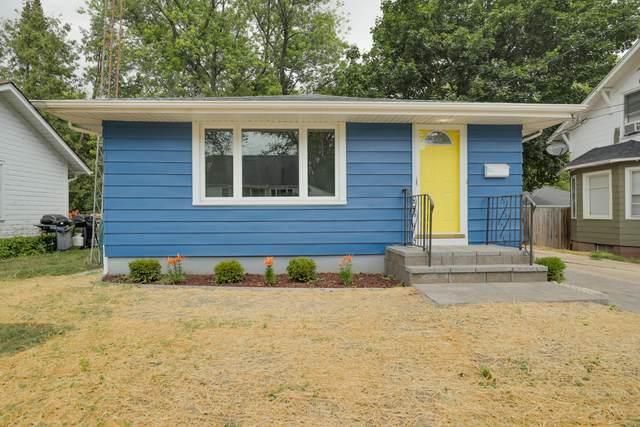 4322 74th Street, Kenosha, WI 53142 (#1755166) :: Tom Didier Real Estate Team