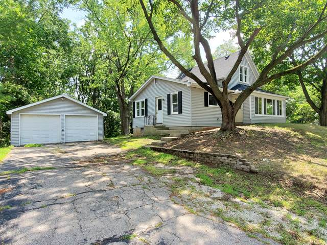 312 Burden Ave, Twin Lakes, WI 53181 (#1755177) :: Tom Didier Real Estate Team