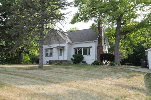 W255S5290 S Oakdale Rd, Waukesha, WI 53189 (#1755183) :: Tom Didier Real Estate Team