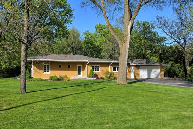 10240 W St Martins Rd, Franklin, WI 53132 (#1755200) :: Tom Didier Real Estate Team