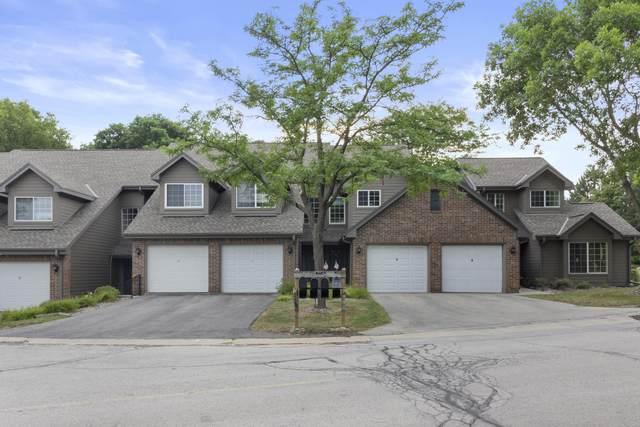 18775 Brookfield Lake Dr #2, Brookfield, WI 53045 (#1755220) :: Tom Didier Real Estate Team