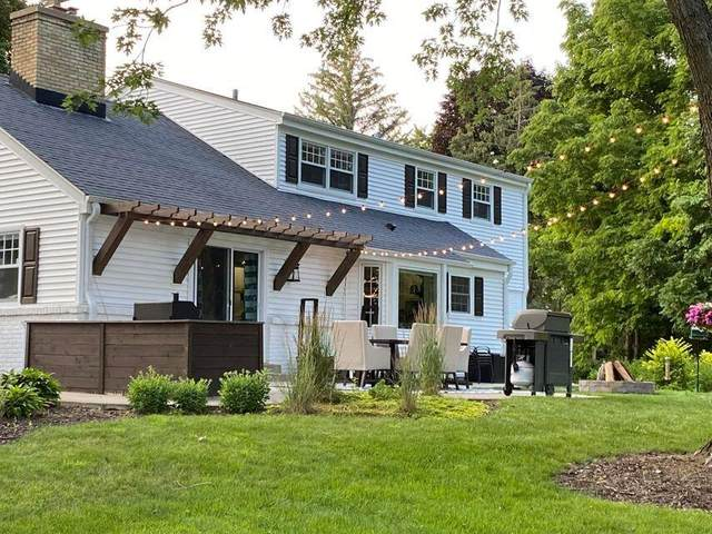 16545 W Woodview Dr, Brookfield, WI 53005 (#1755260) :: EXIT Realty XL